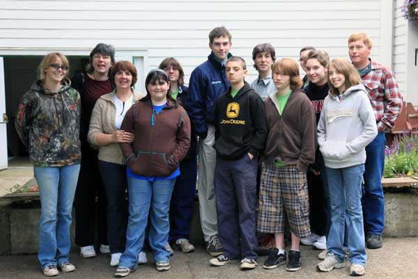 More hard working 4-H workers!